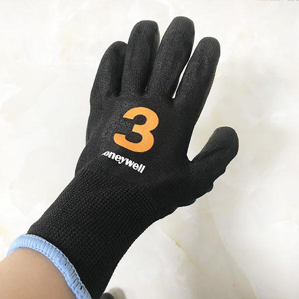 Găng tay chống cắt Vertigo màu đen phủ PU mức 3